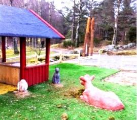 Väck djuren till liv på Hisingsparken Bondgården lekplats